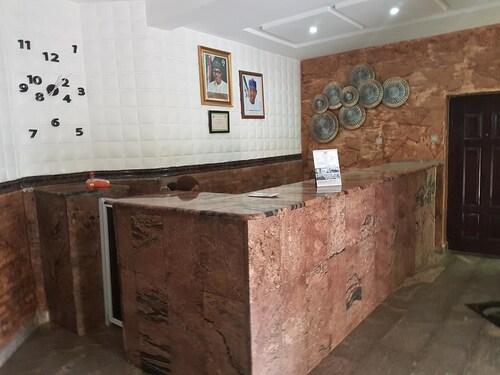Alpina Lodge, AbujaMun
