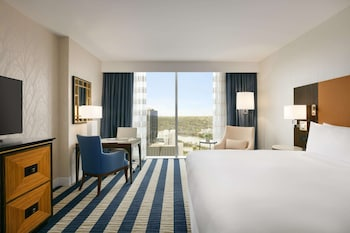 Fairmont Room, 1 King Bed, City View