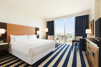 Signature Room, 1 King Bed, City View