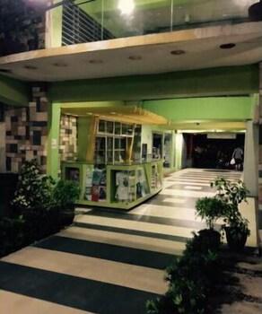REGENCY HOTEL DE VIGAN Hallway