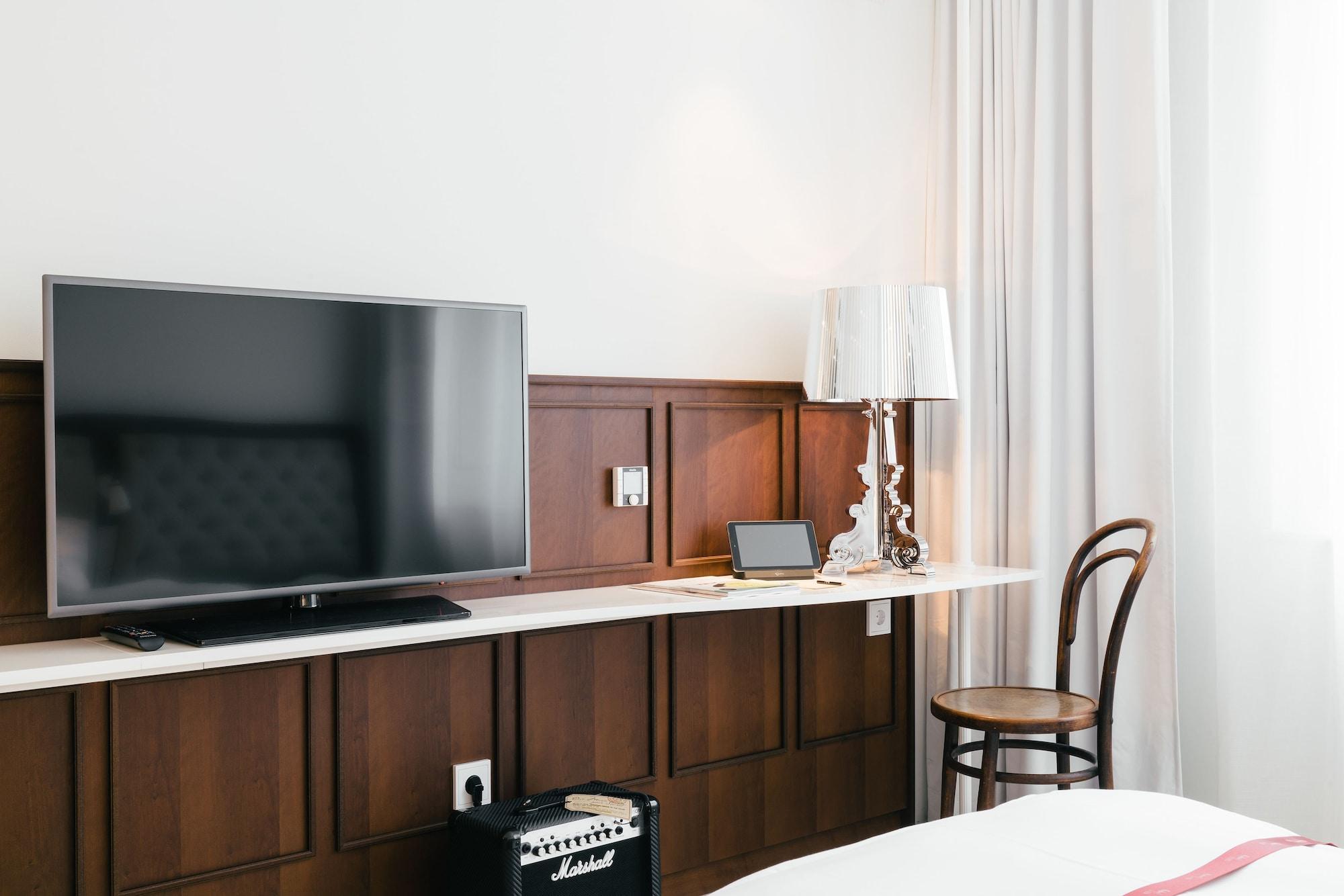 Standard Double Room (Lovely Room)