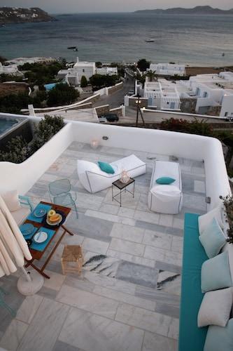 Mykonos Moussa Suites, South Aegean