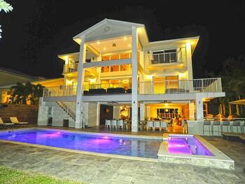 6 Bedroom Homes in Miami by TMG