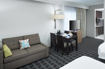 Guestroom at TownePlace Suites by Marriott Orlando at SeaWorld in Orlando