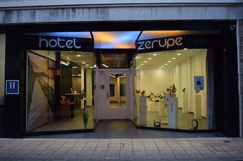 . Hotel Zerupe