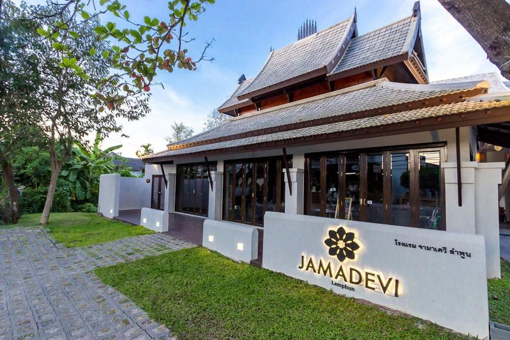 ジャマデヴィ ホテル