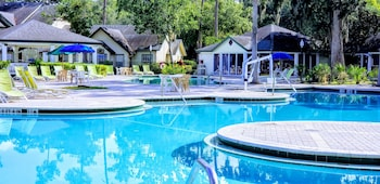 Hotel - Oak Plantation Resort