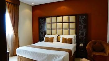 奈哈拉馬哈德埃樂達拉恩賽公寓飯店