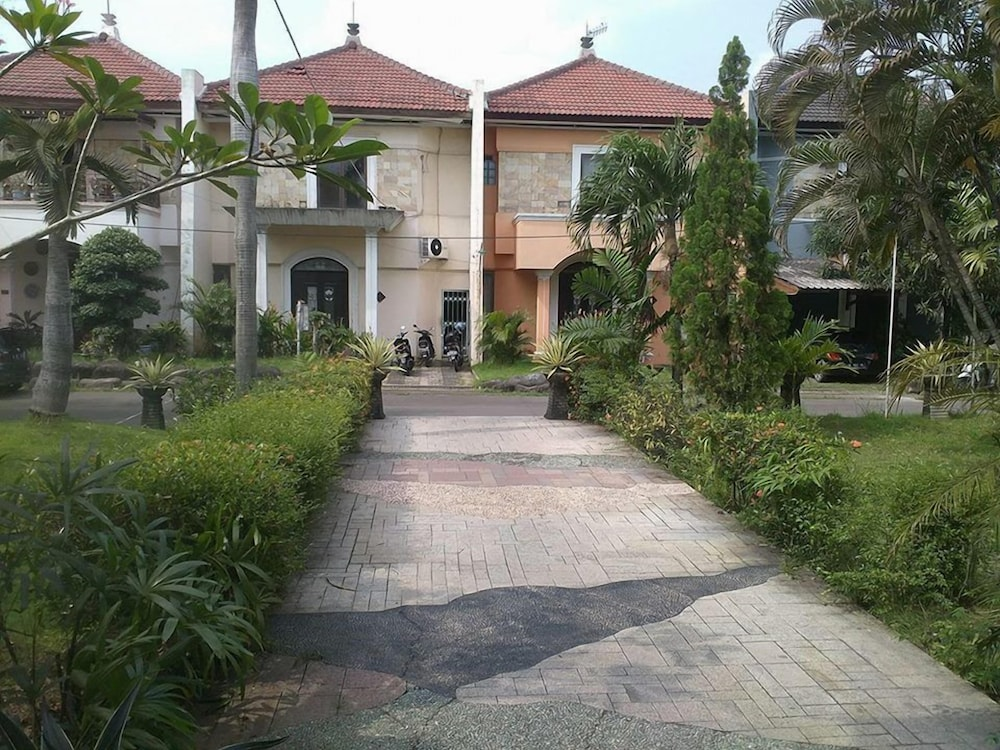 Istana Permata Juanda - Green Bamboo