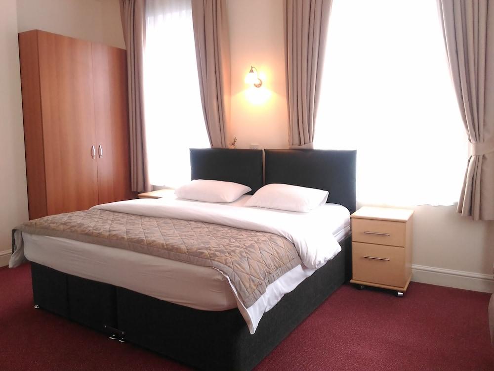 Global Lodge Hotel, London