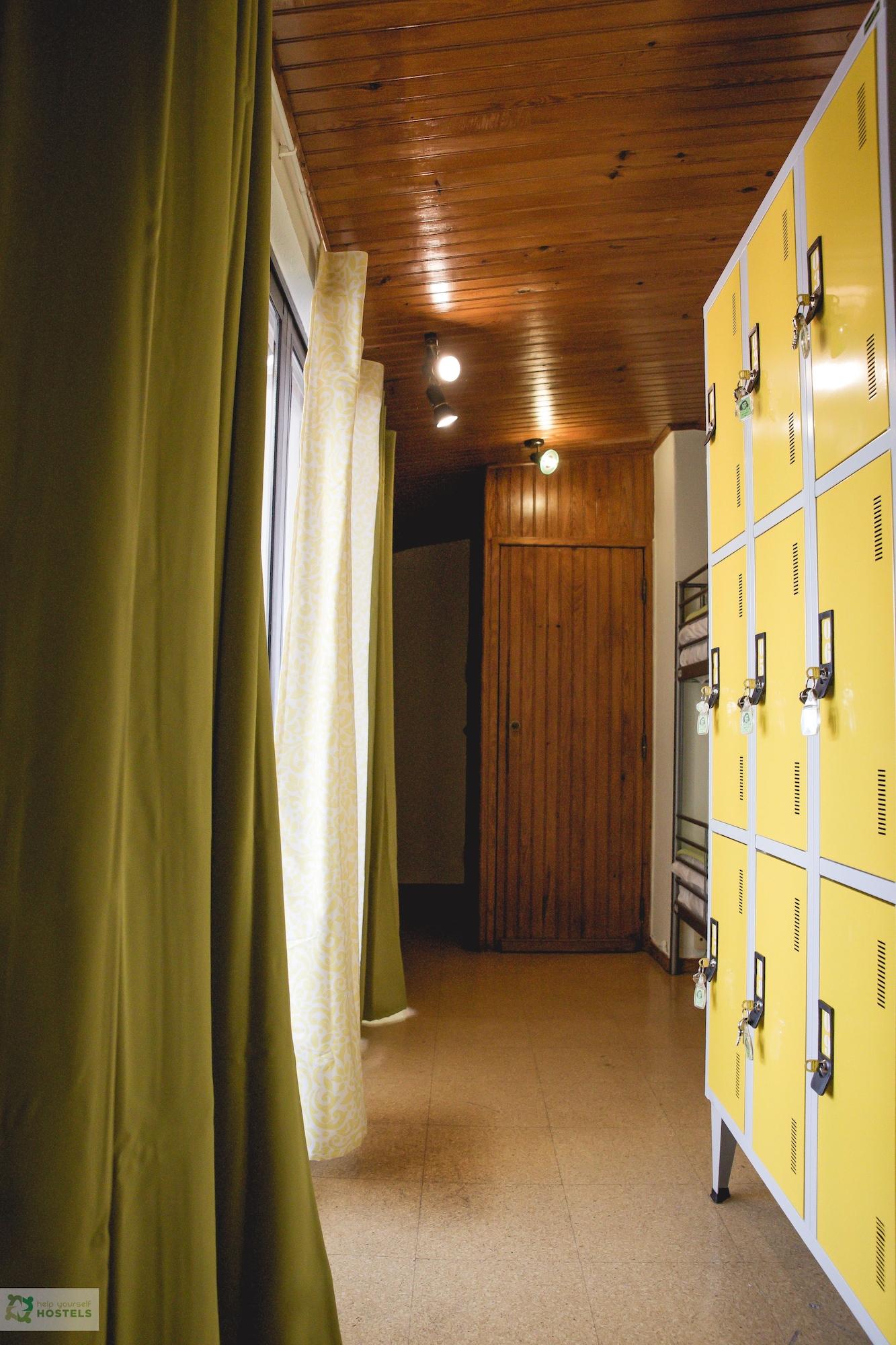 Help Yourself Hostels Carcavelos Coast, Cascais