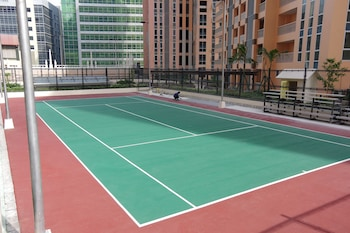 LUXE IN VENICE - THE VENICE RESIDENCES Tennis Court