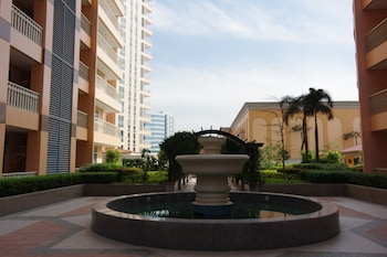 LUXE IN VENICE - THE VENICE RESIDENCES Fountain