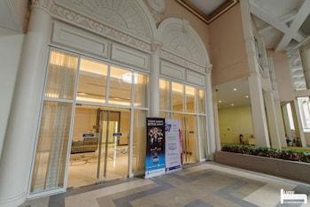 LUXE IN VENICE - THE VENICE RESIDENCES Interior Entrance