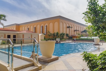 LUXE IN VENICE - THE VENICE RESIDENCES Outdoor Pool