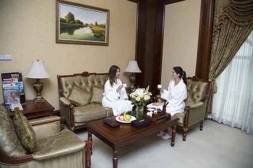 Jiangmen Gladden Hotel, Jiangmen