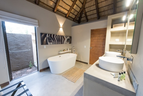 Bushbaby River Lodge, Mopani