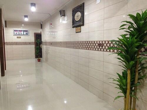 Al Eairy Furnished Apartments Tabuk 4,