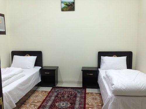 . Al Eairy Furnished Apartments Tabuk 2