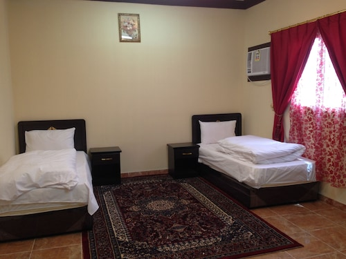 . Al Eairy Furnished Apartments Tabuk 3