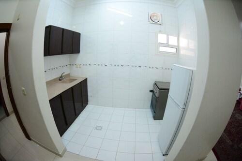 Al Eairy Furnished Apartments Dammam 4,