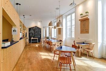 Hotel - Away Hostel & Coffee Shop
