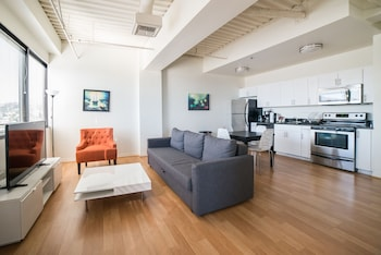 Ginosi Metropolitan Apartel