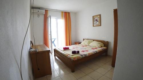 Sun Hostel Budva