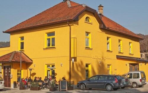 Hotel Katrca 1905, Ljubljana