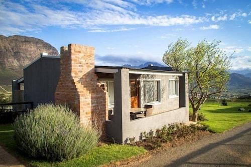 Courchevel Cottages, Cape Winelands