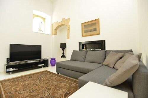 IzzHome Design Apartment, Cagliari