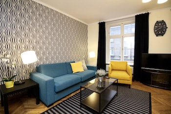 塔林市政廳廣場公寓飯店