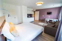 SUPERIOR STUDIO, (DOUBLE BED AND SOFA BED)