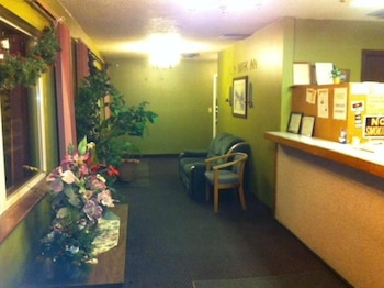 Hotel - LANDMARK INN