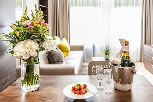. Hampton Suites Serviced Apartments