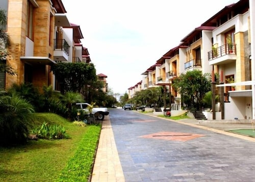 De Bale Pakuan Town House, Bandung
