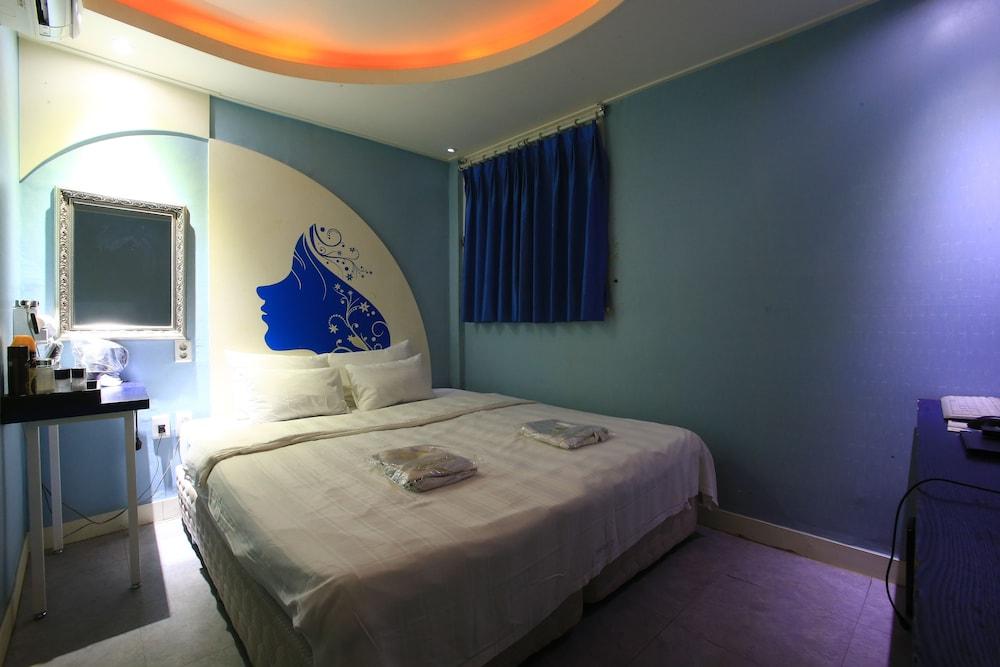 2U モーテル