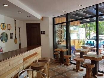 1521 HOSTEL Breakfast Area