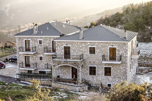 Ouranogiton, Peloponnese
