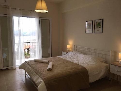 . Demeliza Apartments
