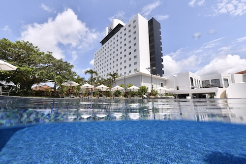 . Art Hotel Ishigakijima