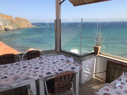 e2 Deniz Otel, Bozcaada