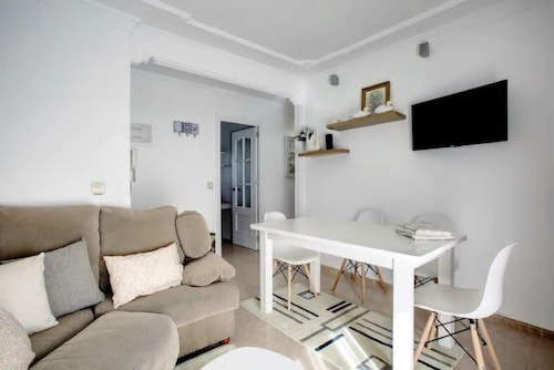 . White Heron Apartment