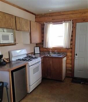 Cabin, Kitchen