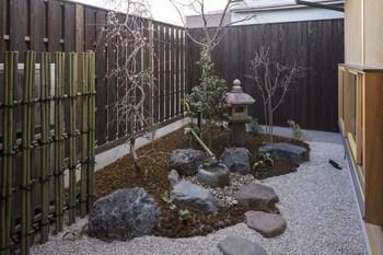 SANJUSANGENDO YOITSUBAKI Garden