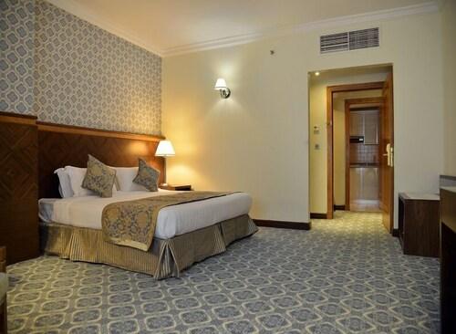 Nozol Royal Inn Hotel,