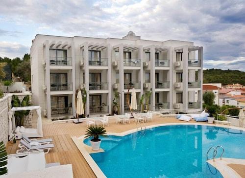 Captain Hotel, Çeşme