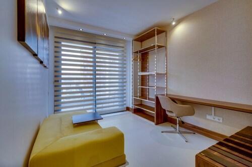 Concept Suites, Merkez