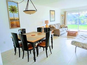 Tropical Dreams - 2 Br Vacation Villas Near Siesta Key