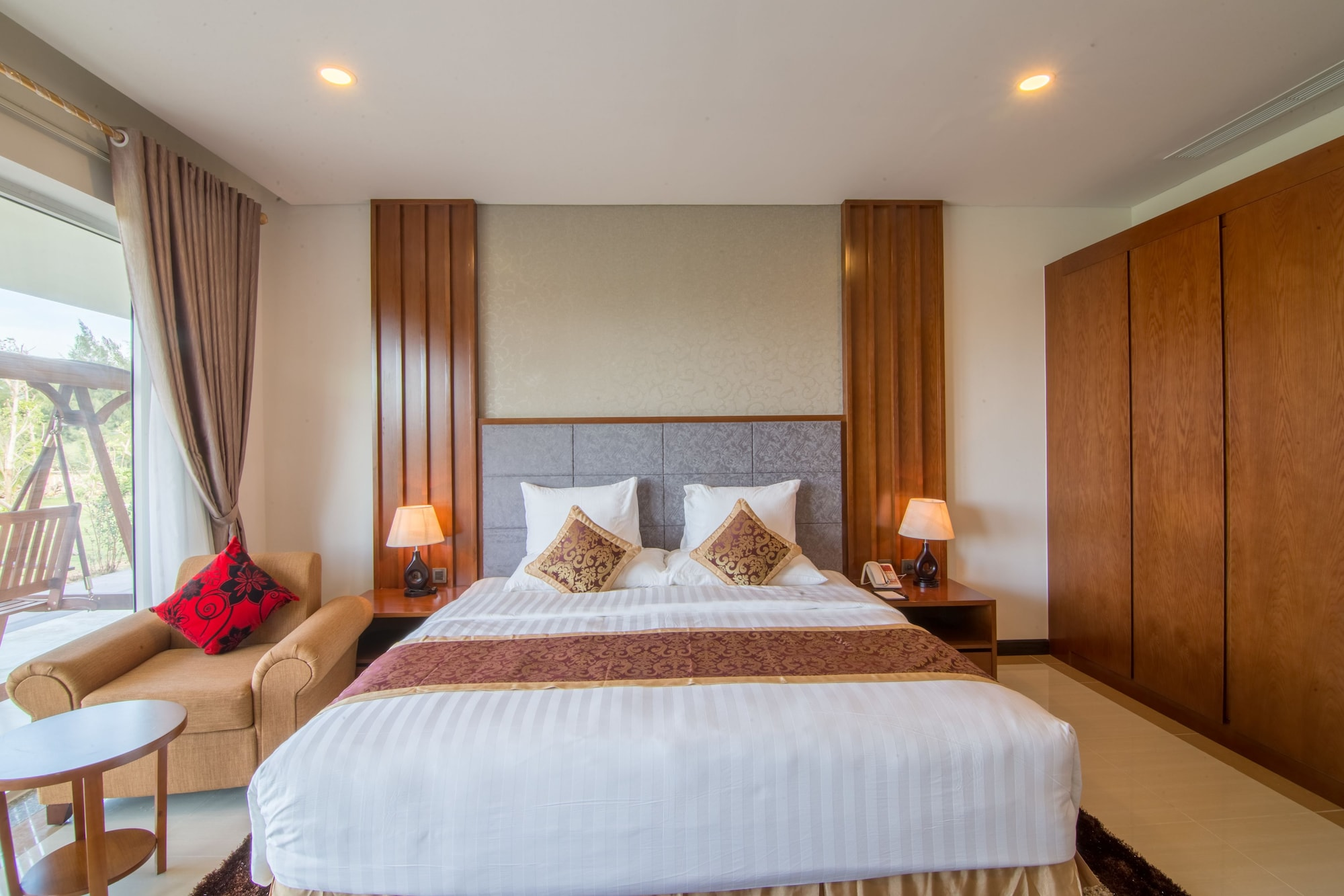 Gold Coast Hotel Resort & Spa, Đồng Hới